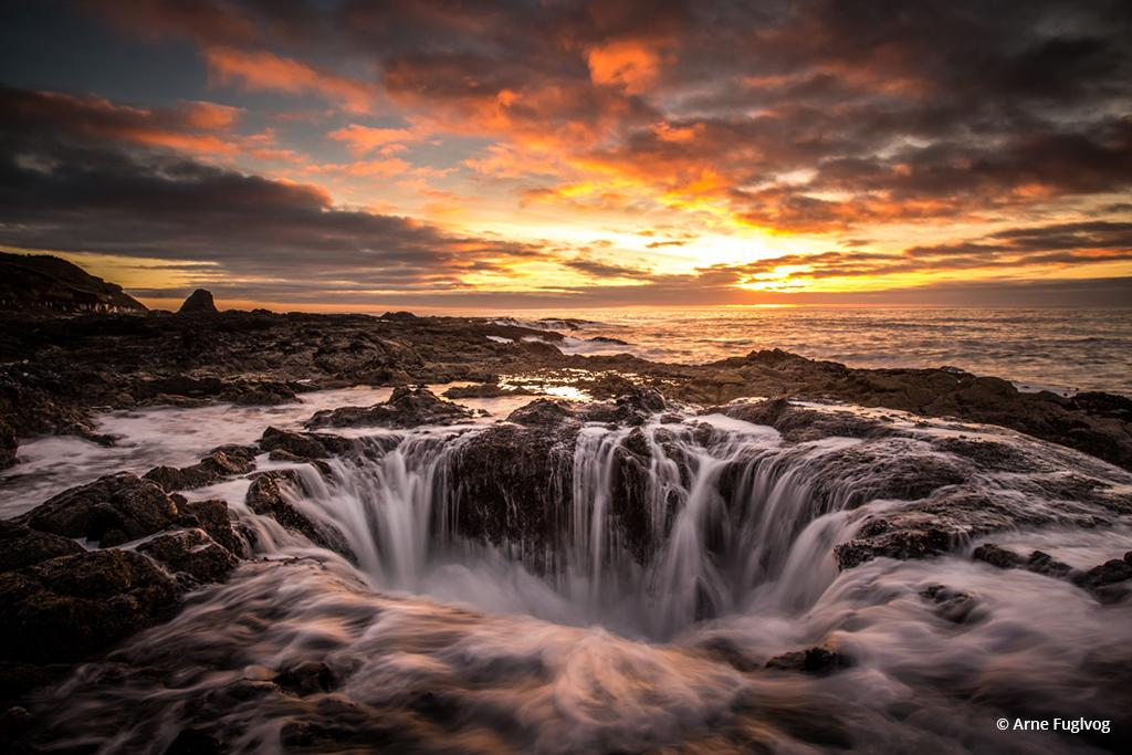 """Today's Photo Of The Day is """"Thor's Well"""" by Arne Fuglvog. Location: Cape Perpetua, Oregon."""