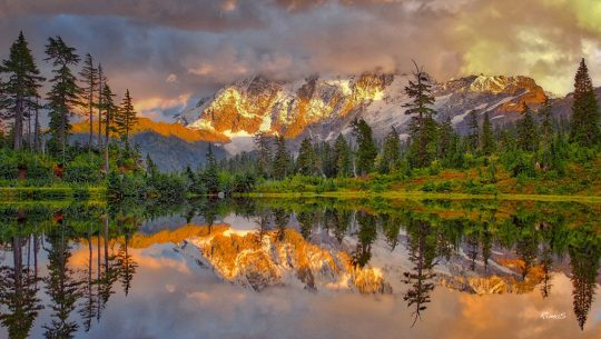 "Today's Photo Of The Day is ""Golden Moment"" by RimaS. Location: North Cascades, Washington."