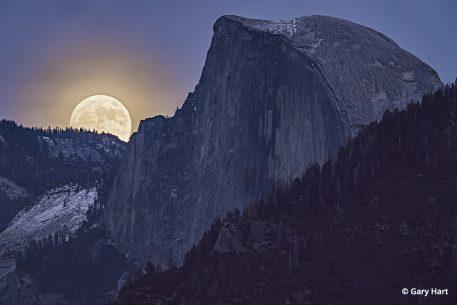 photograph the moon: supermen over half dome