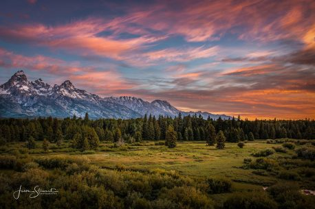"Today's Photo Of The Day is ""Beautiful Moments in Nature"" by Jason Stewart. Location: Grand Tetons National Park, Wyoming."