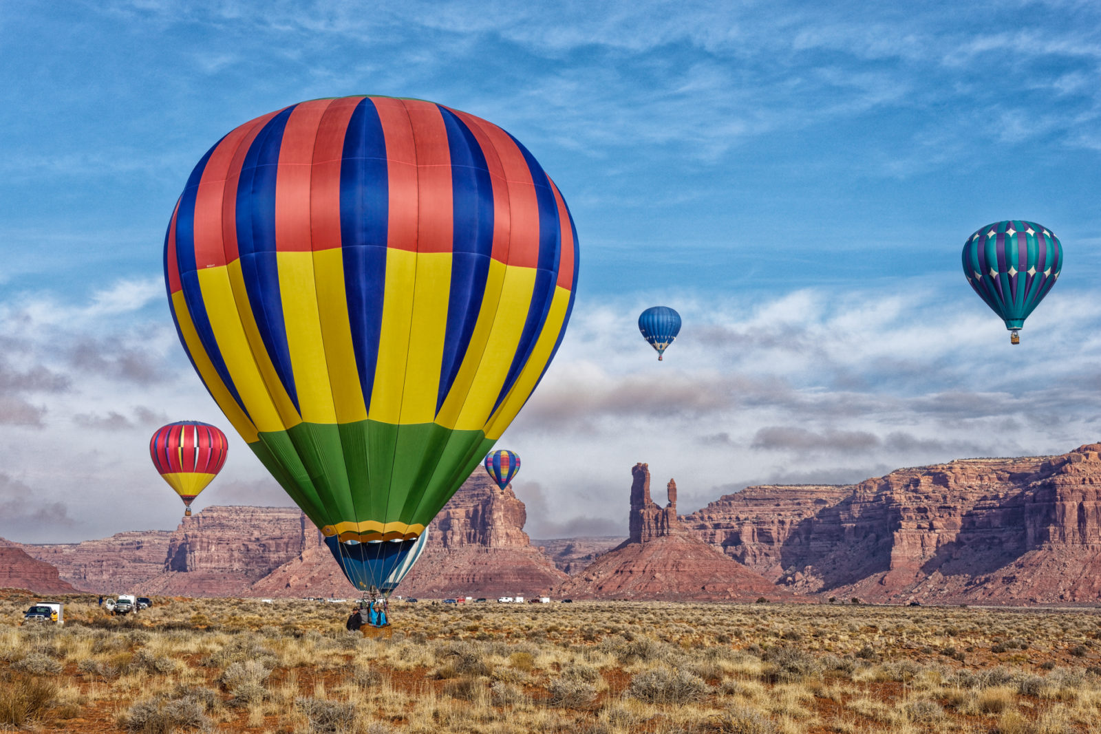 Balloons over Valley of the Gods
