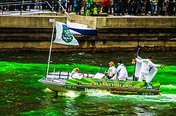 Dyeing the Chicago River on St.Pat's
