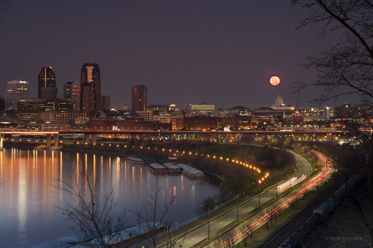 Supermoon setting over St. Paul, MN