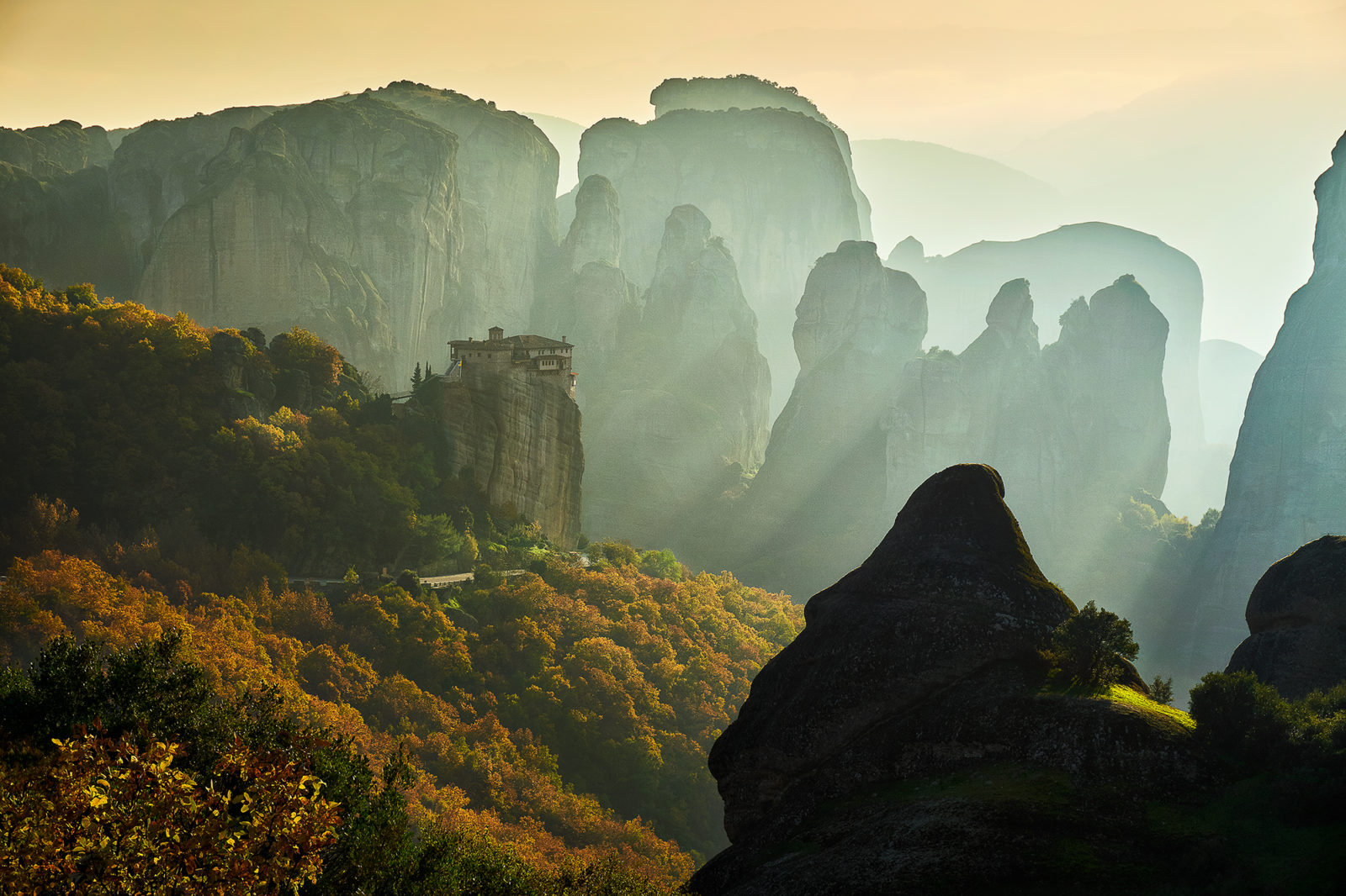 Chasing the light at Meteora