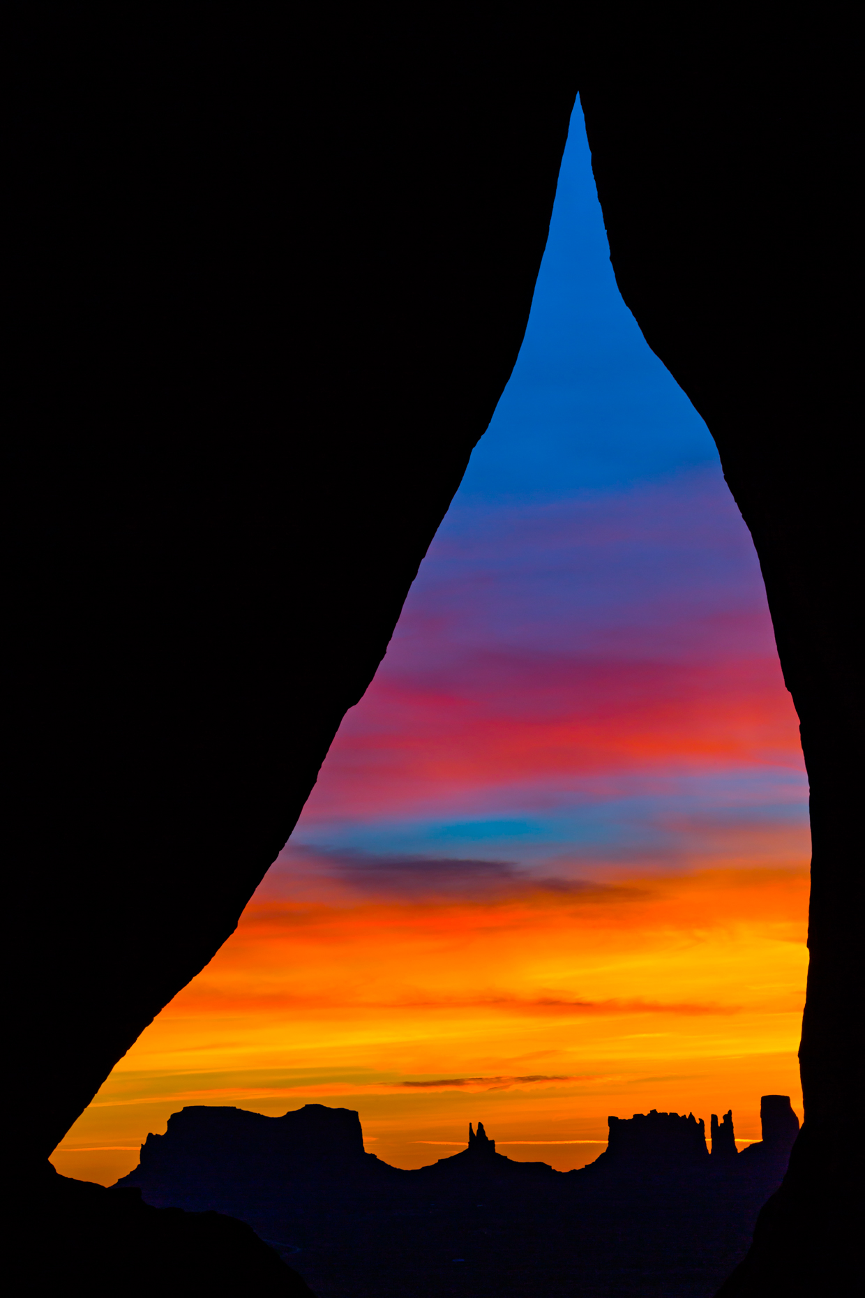 Tear Drop Arch, Monument Valley