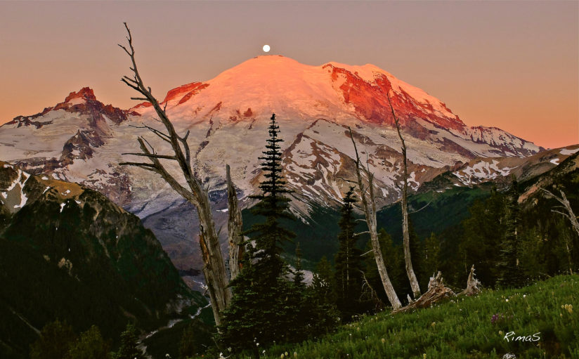 sunrise over Mt.Rainier