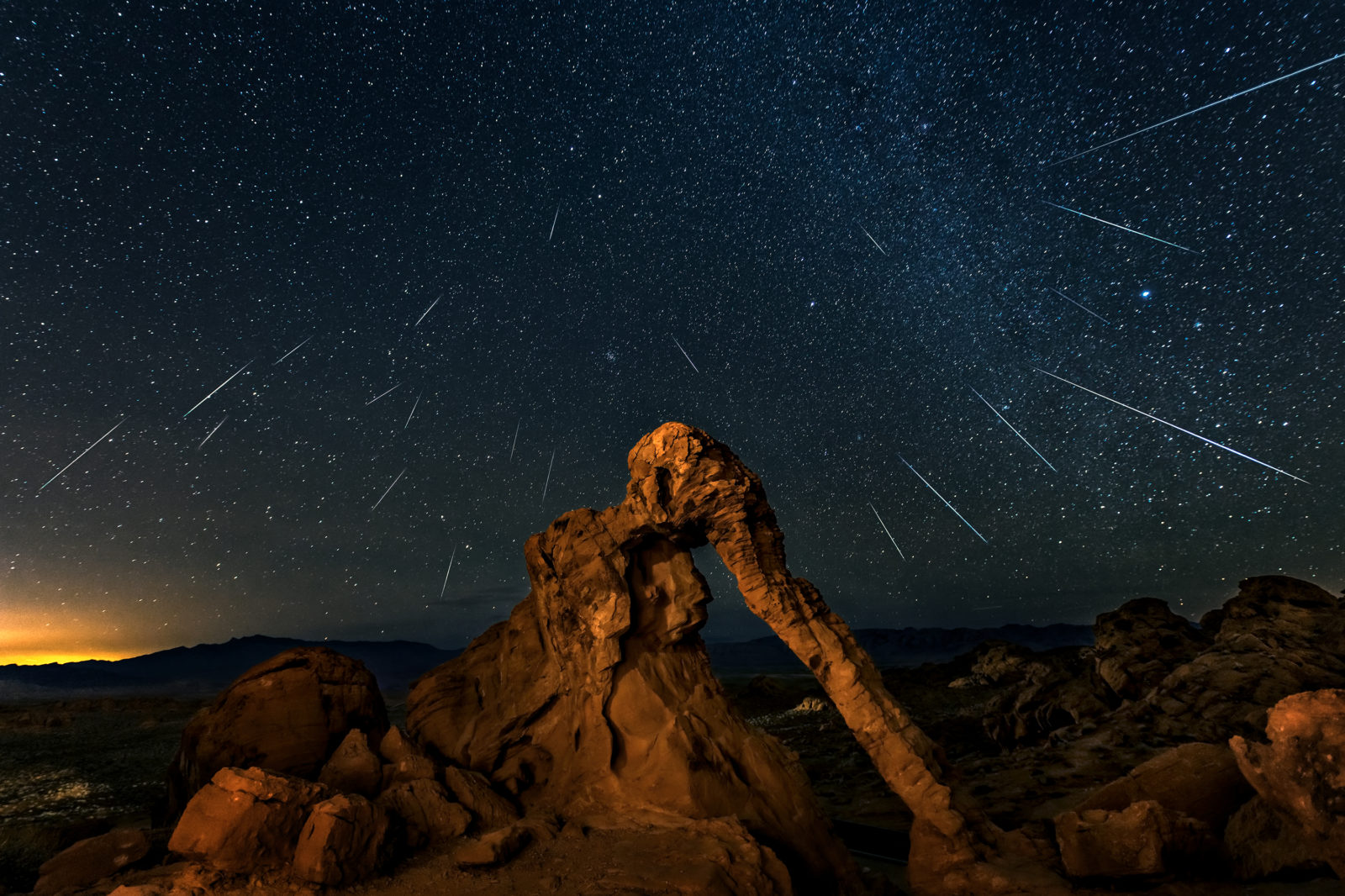 Geminid meteor shower above the Elephant Rock