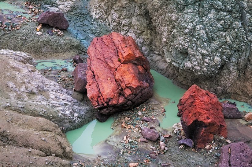 Green Mud & Red Rocks