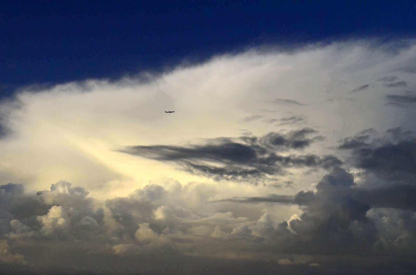 BIG Sky, Tiny Airliner