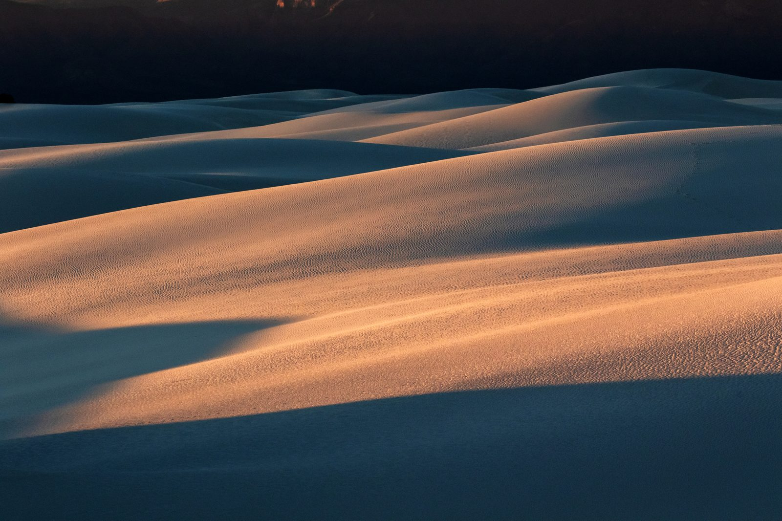 The art of light created by the dunes