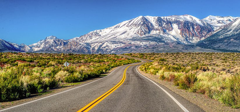 The road to the snowy mountain