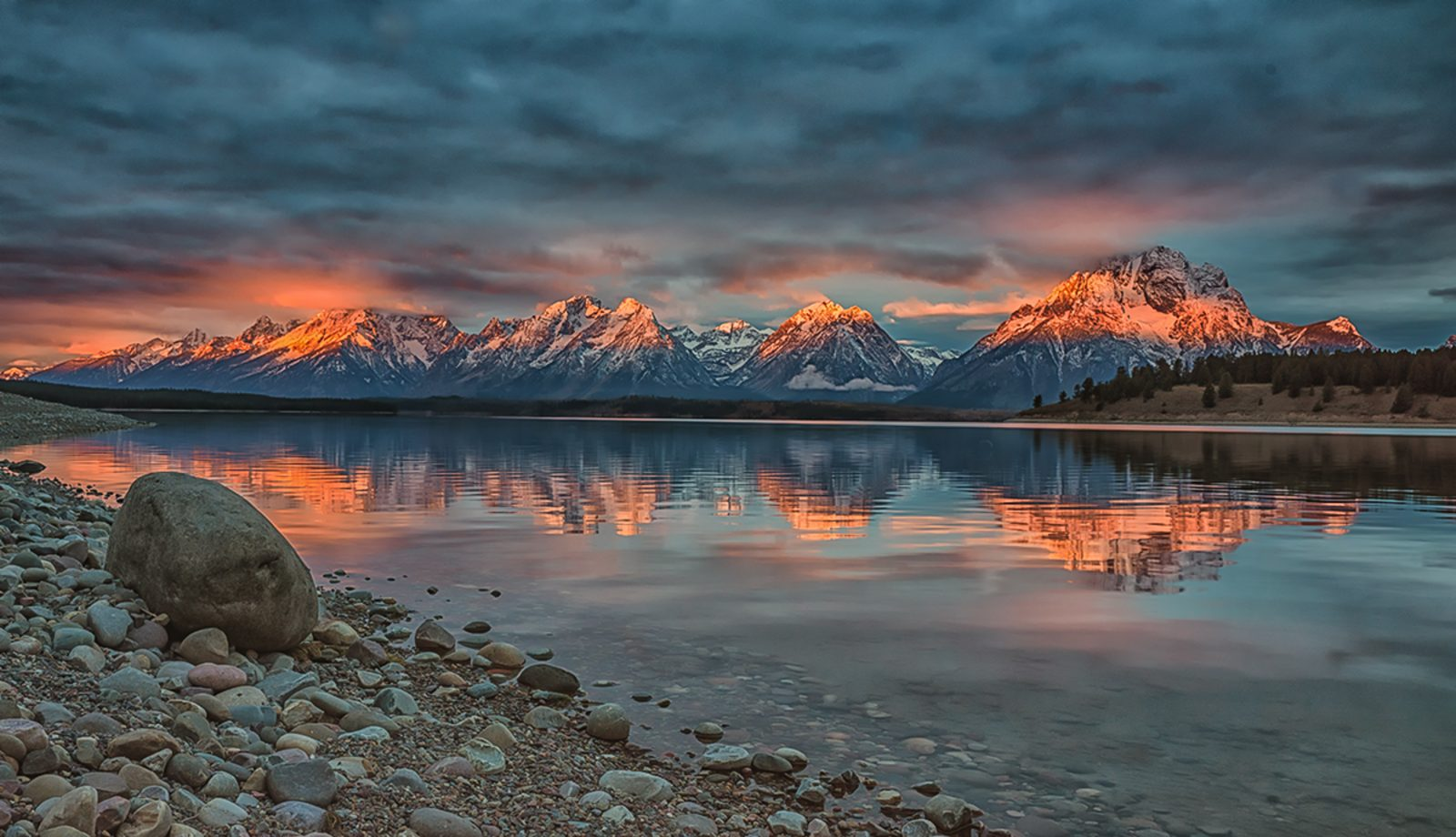 Sunrise Jackson Lake Grand Teton National Park