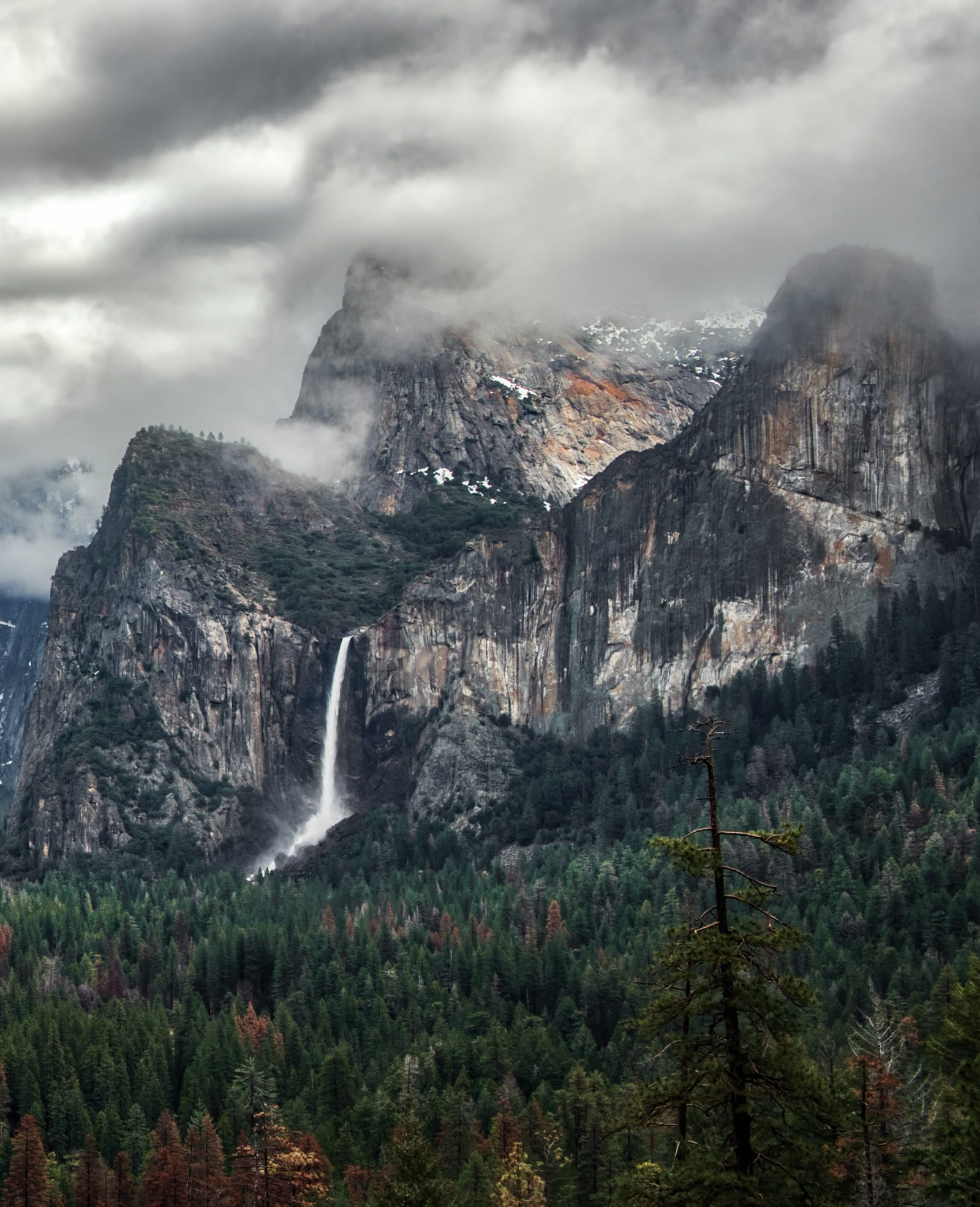 Bridalveil Fall – Yosemite