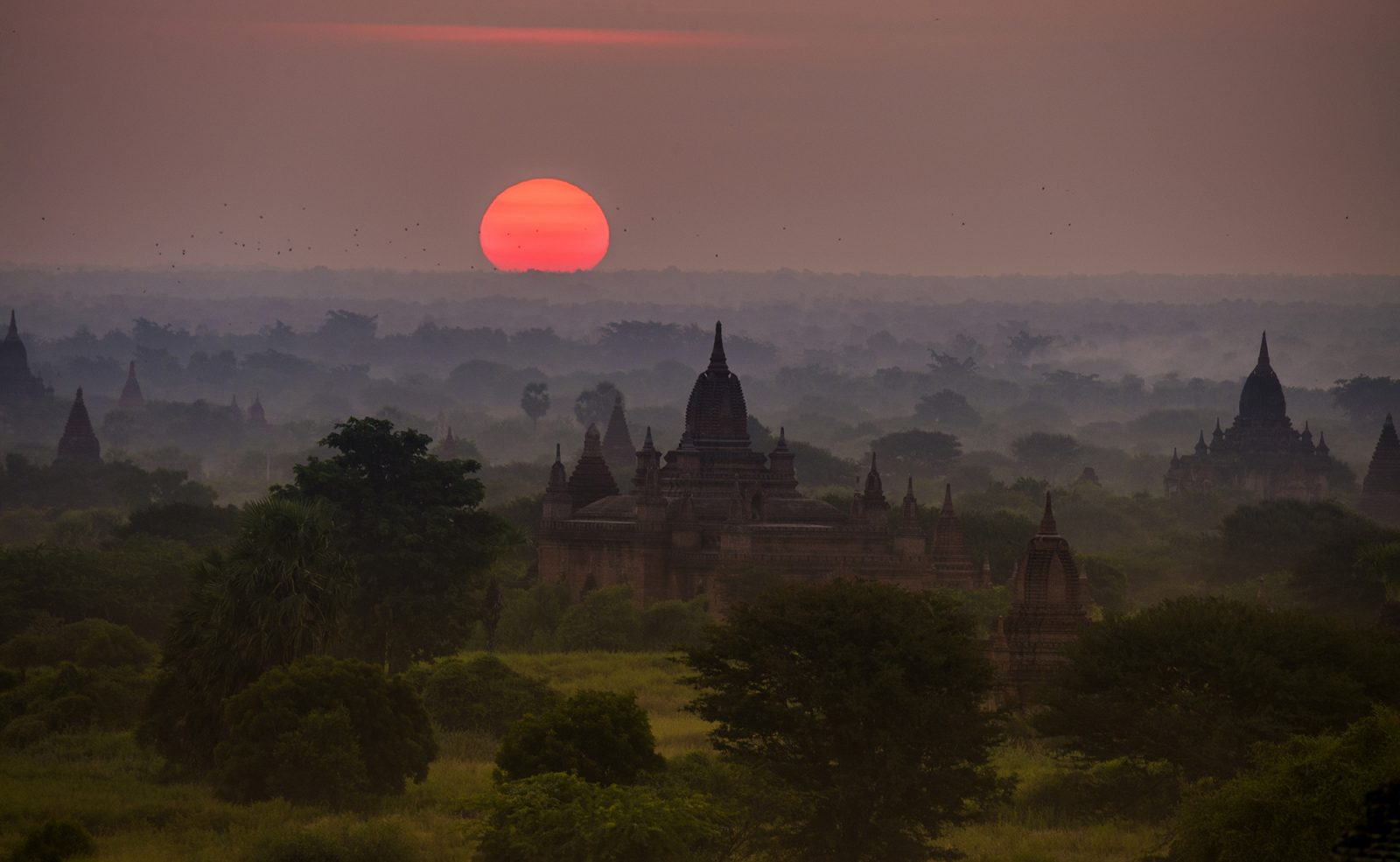 Panorama of Bagan as seen from the Minyeingon Temple
