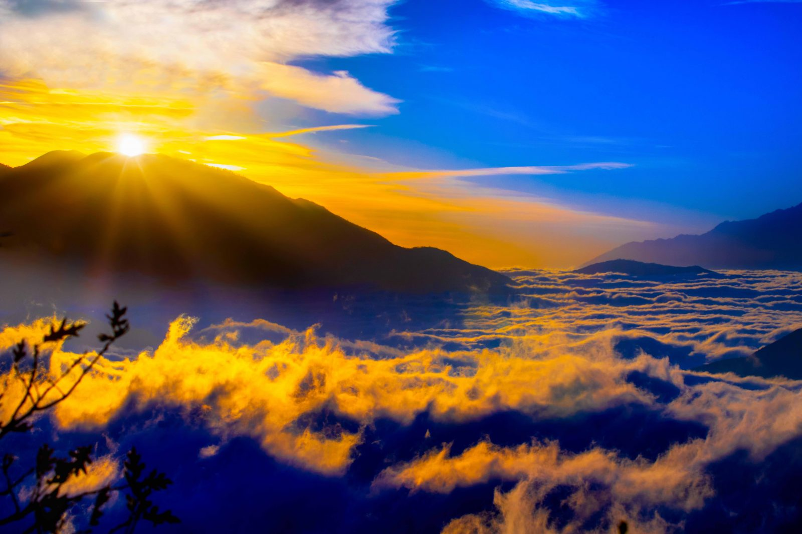 Morning Glory at the Rim of the World