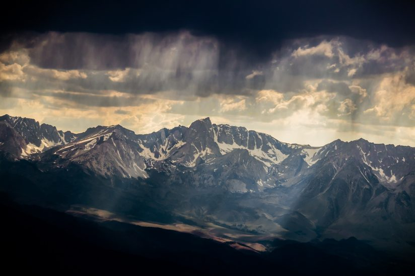 Virga Precip & Crepuscular Rays Over Mt Humphreys