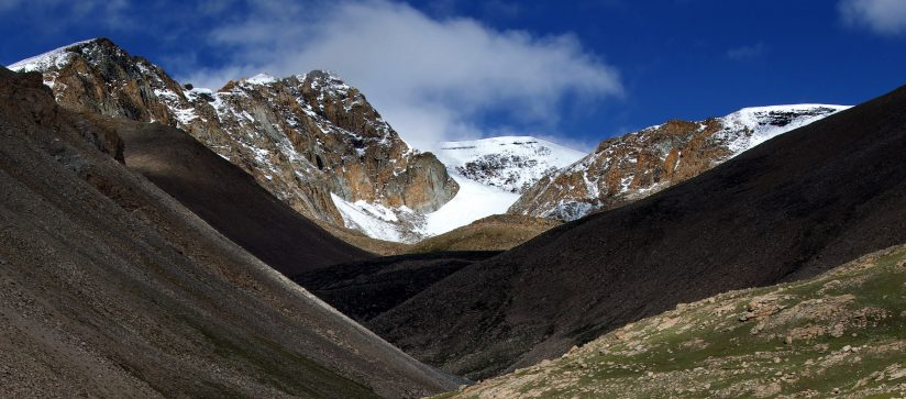 A view on the trek around Mt. Kailash